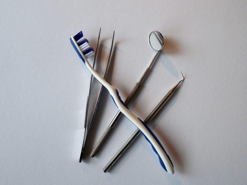 brush-teeth-before-or-after-breakfast