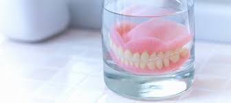 how-to-whiten-dentures